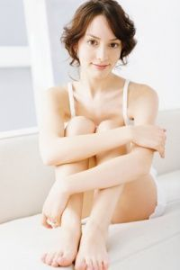 Common symptoms of a yeast infection include burning, itching and a thick discharge.