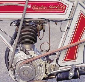 """Note the fancy """"engine-turned"""" finish on the crankcase."""