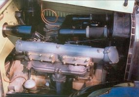 The engine of the A-68 roadster was inspired from World War I aircrafts.