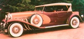 As can be seen by comparing the Model J and the Duesenberg II, Elite Heritage Motors took pains to be sure that the Royalton was a faithful reproduction of the original.