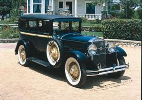 The 1928 Studebaker President contributed records held by Studebaker. See more pictures of Studebakers.