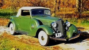 The 1934 Graham Blue Streak Model 67 convertible was a 2/4-passenger model, although the second two had to sit back in the rumble seat.