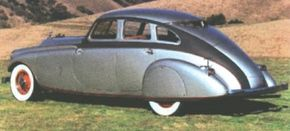 Although the Silver Arrow was to use Pierce's 147-inch wheelbase, the chief body engineer for Studebaker chose Pierce's 139-inch chassis for the car.