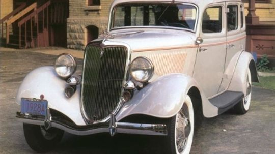 1934 Ford DeLuxe Fordor