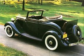 The new dual-downdraft carburetor on the 1934 roadster increased the HP by 10.