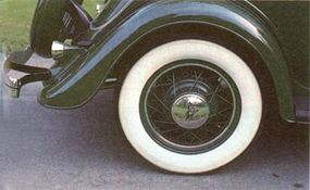 Hubcaps and the spare tire-lock cover were new additions to the 1934 Roadster.
