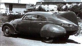 Jules Andreau's ideas on aerodynamic design resulted in six special 402-based streamlined sedans.