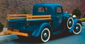 Sales of the 1935 KC half-ton pickup were more than sixfold those for Dodge half-ton pickups in 1932, which used Dodge's previous pickup design.