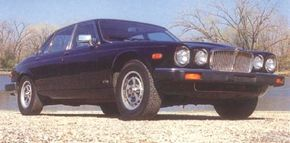 The new XJ6 appeared in the U.S. in early 1987.