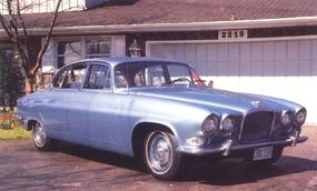 The 1966 Mark X had the XKE's 4.2-liter six engine. Increased torque helped low-speed flexibility.