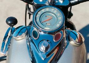 The UL replaced ammeter and oil-pressure gauges with red and green lamps.