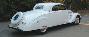 The long wheelbase of the 1938 Peugeot 402 B was necessary to accommodate the retractable hardtop.