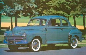 One of the more attractive 1946 Ford models was the Super DeLuxe coupe sedan (also sometimes called the sedan coupe).