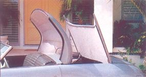 A retractable hardtop was among the Thunderbolt's features.