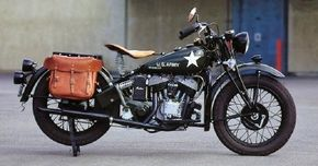 The 741 military motorcycle was based on a civilian Indian and had a 30.5-cubic-inch flathead V-twin engine.