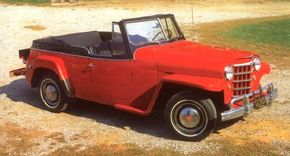 The Jeepster could be had with an interesting two-tone paint option that added a contrasting color around the belt line onto the windshield frame.