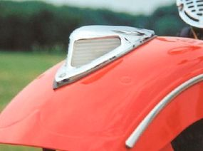 The front fender light served fashion more than function, but was a notable styling feature.