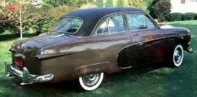 Extra touches, like two-tone paint, gave the 1950 Ford Custom Crestliner a luxury feel.
