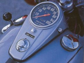 The tank-mounted speedometer was familiar to Harley riders of the time.