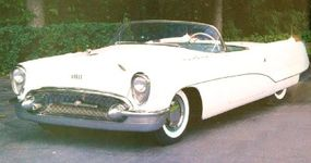 The 1953 Buick Wildcat's front bumper predicted that of the 1954 Buick.