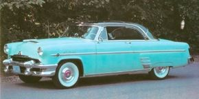 Though the 1954 Mercury Sun Valley didn't sell particularly well at the time (only 9,761 units), collectors avidly seek them out now.