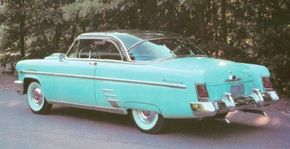 The 1954 Mercury Sun Valley combined a futuristic bubble-top look with real-world stylings. See more classic car pictures.
