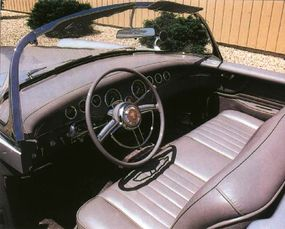 The Panther had a sleek and sporty instrument panel and a small racing windshield.