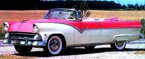 Convertible fans showed up in droves to purchase the 1955 Ford Fairlane Sunliner Convertible Coupe. See more classic car pictures.