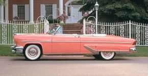 The styling of the 1955 Lincoln borrowed from years past, but included fresh new updates.