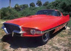 The Ghia-designed Superamerica had a wraparound windshield and distinctive nose shape.