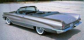 With the 1960 Electra, Buick's trademark front-fender