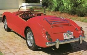 The 1960 MGA 1600 Roadster had 'two-tier' taillights and '1600' badging on the decklid.