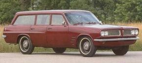 The rarest 1963 Pontiac Tempest was the base-model Safari wagon, of which 4,203 were made. A long-handled floor shifter worked the three-speed transmission.