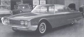 1961 Lincoln Continental designer Elwood Engel got the idea for bright beltline moldings from the Quicksilver, a Ford theme model.
