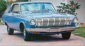This 1963 Dodge Polara 500 shows the headlight placement and amber turn signals.