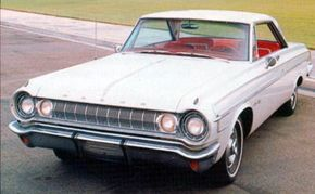 """A convex """"barbell"""" grille set the headlights side-by-side on the 1964 Dodge Polara 500."""