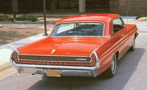 The 1962 Pontiac Grand Prix came with a 389 V-8 with up to 348 bhp.
