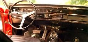 The dash of the 1966 Buick Wildcat sport coupe reflected its sporty nature.
