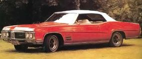 The 1969 Wildcat featured new side sculpturing that went over the front and rear wheels, then tapered down and back.
