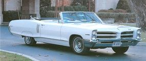 For 1966, the 2+2 became a separate model bearing a mild facelift.