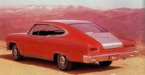 Marlin photos were taken from the three-quarter rear view to highlight the smooth flowing roofline that swept down to the rear bumper line.