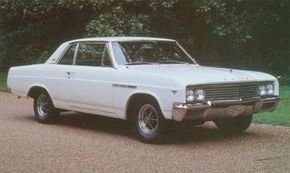 The 1965 Buick Gran Sport's lineup was completed by a fixed-pillar coupe.