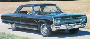 The face of the first Dodge Monaco was virtually the same as that of the companion Custom 880 and Polara Series. See more classic car pictures.