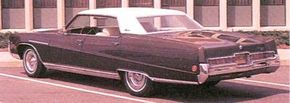 The 1969 Electra 225s were redesigned, the creaseline now starting above the front wheelwell, and vent windows were eliminated.