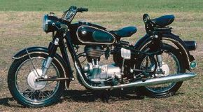 The 1965 BMW R-27s sported Earles-type forks, which provided a very smooth ride. See more motorcycle pictures.