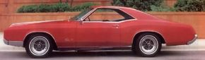 Though the 1966 Buick Riviera continued the personal-luxury theme of the original 1963 model, styling was new and fresh.
