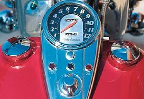The Electra-Glide's numerous chromed trim details were popular selling points.