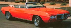 Options for the 1969 Pontiac Firebird Sprint Convertible included Rally II wheels and leather bucket seats. See more Pontiac Firebird pictures.