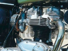 With its lone carburetor, the Tiger's engine was easier to keep in tune than the Bonneville's twin-carb unit.