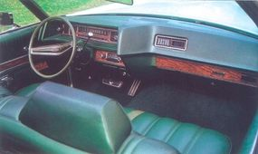 The instrument panel was newer and flatter than in previous models.